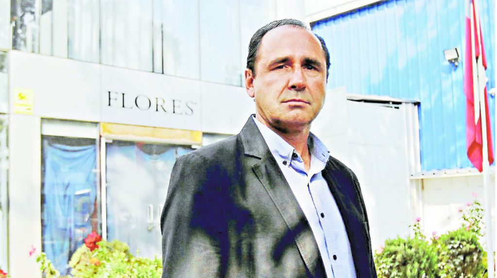 Flores agencia la llave for Distribuidora ropa interior